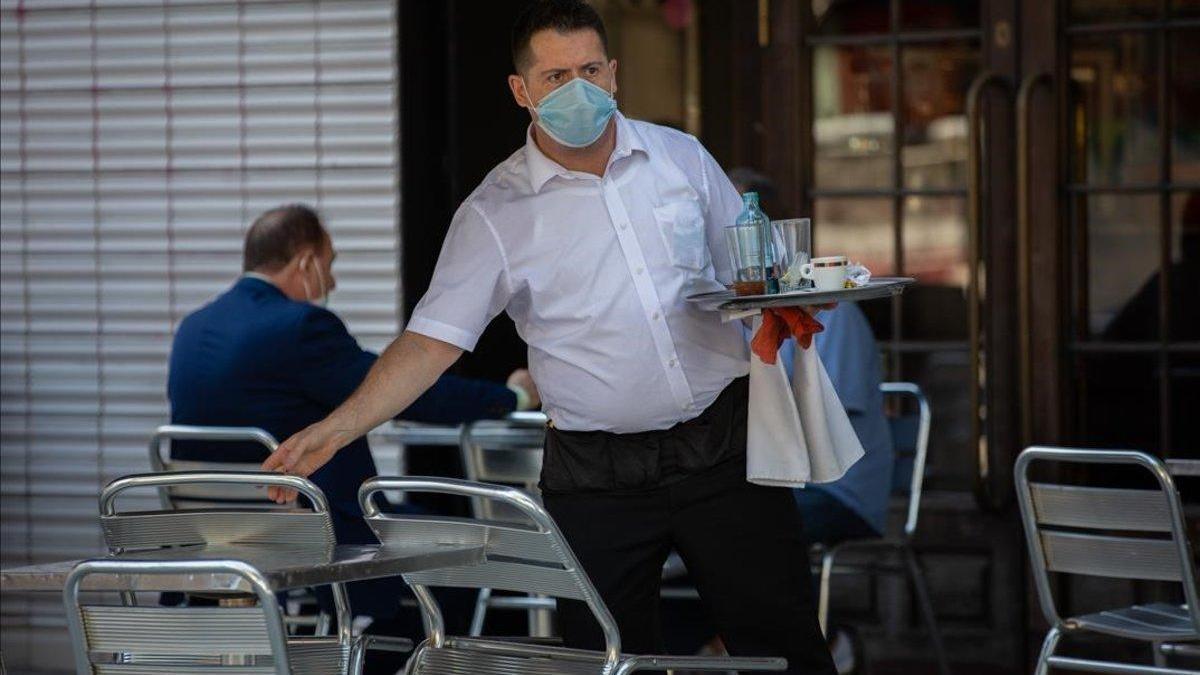 Las cuarentenas por covid-19 amenazan 2,3 millones de empleos turísticos en España