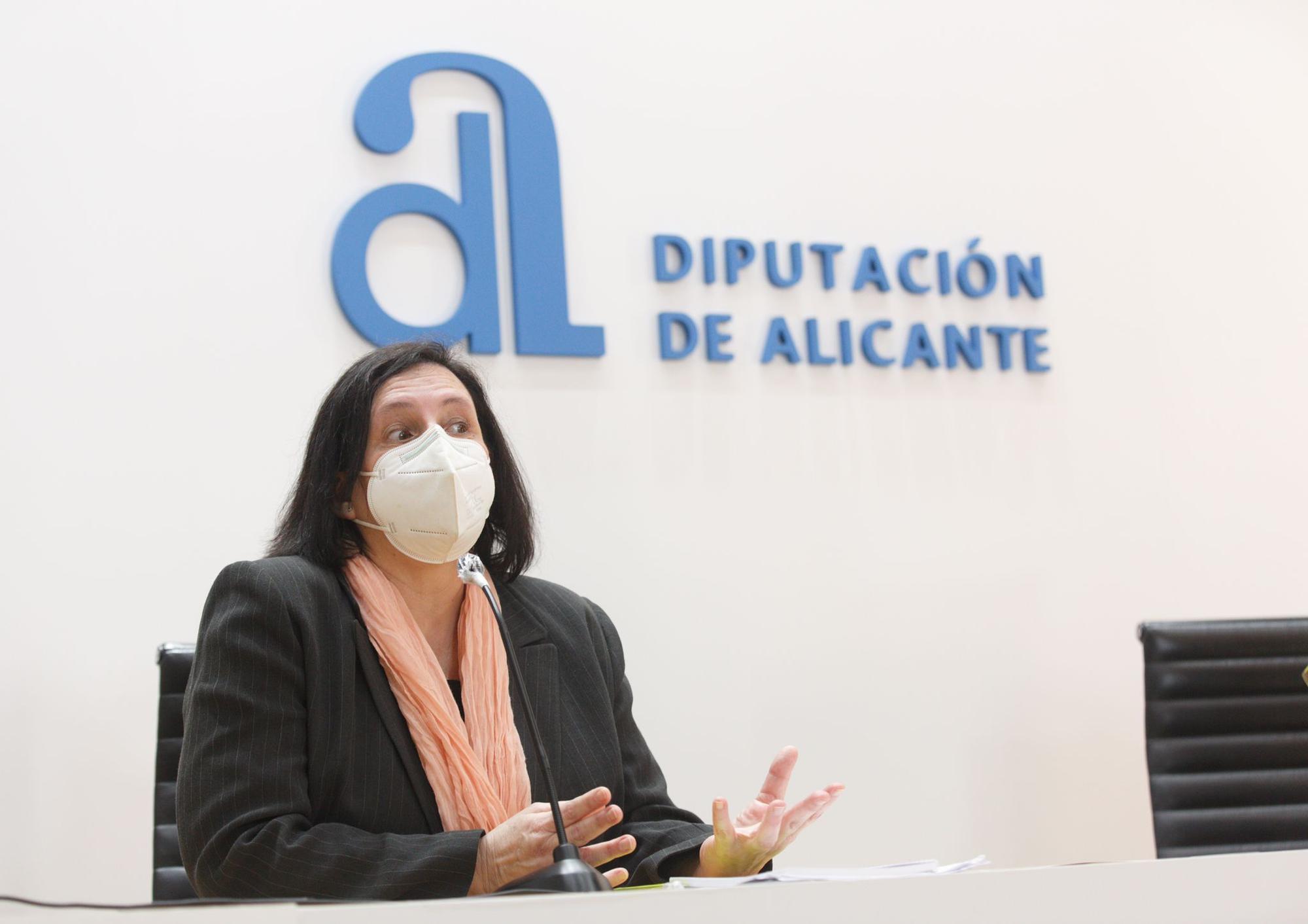"""Pilar Tébar: """"Yo entro en el Gil-Albert y entro en mi casa"""""""