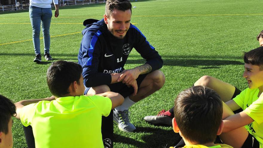 Saúl crea en Elche el Costa City, un club para el fútbol base