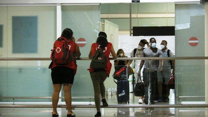 Entra en vigor la quarantena del Regne Unit als viatgers provinents d'Espanya