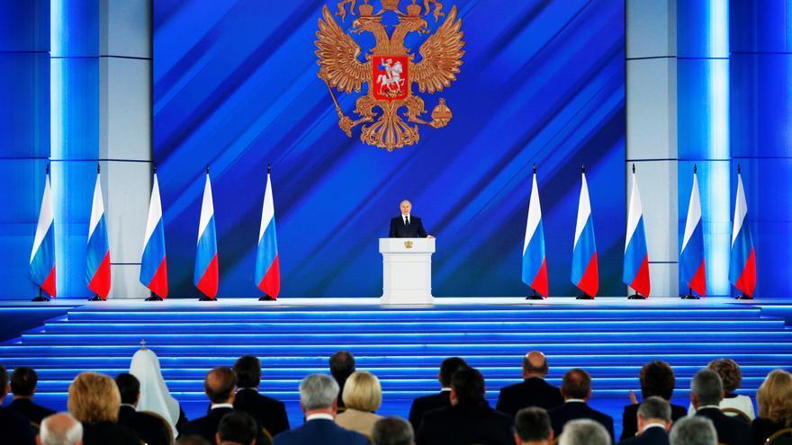 Putin negocia el envío de hasta 30 millones de dosis de Sputnik V a Alemania