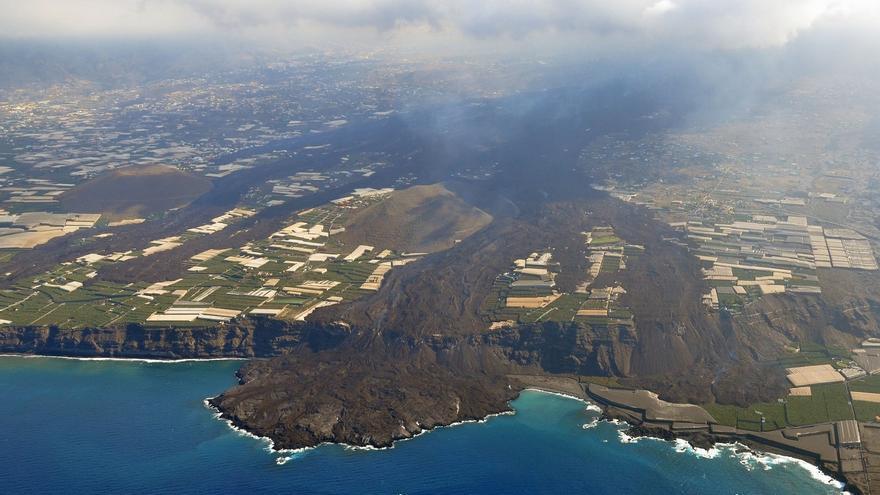 Así ha cambiado la morfología del cono del volcán en las últimas horas