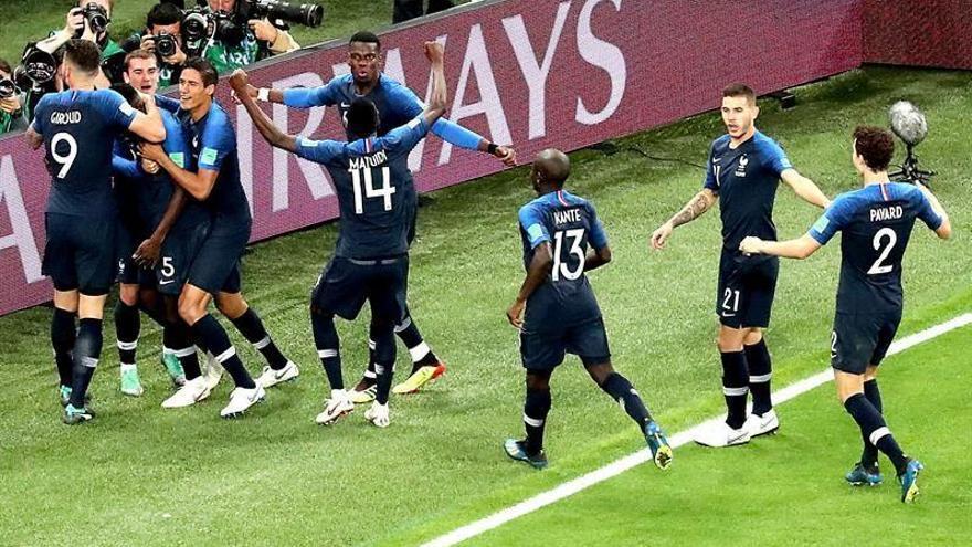 Un gol de Umtiti mete a Francia en la final
