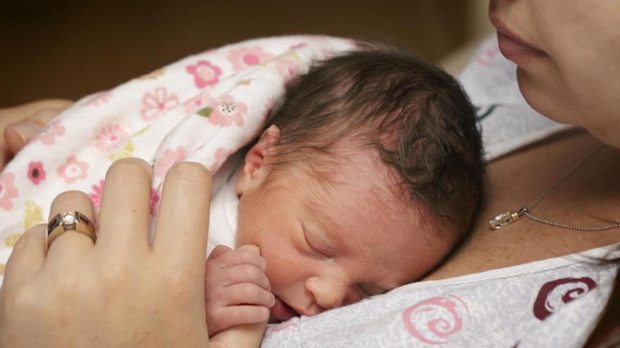 Los beneficios del 'piel con piel' en bebés prematuros