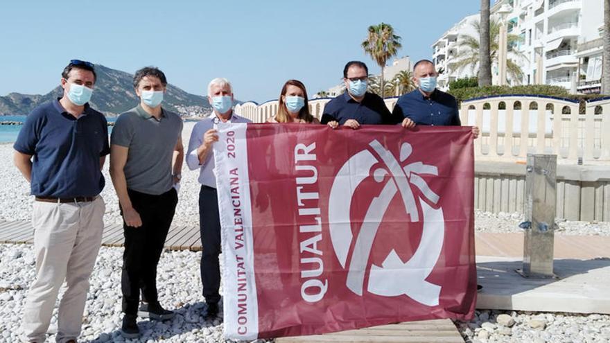 La bandera Qualitur ondea en las ocho playas de Altea