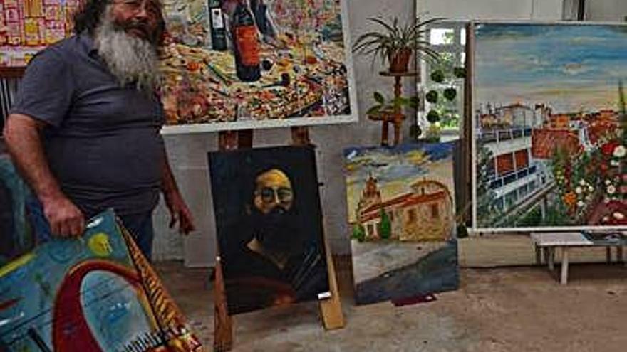 """""""Lo que más me gusta de mi profesión es estar solo ante un lienzo en blanco"""""""