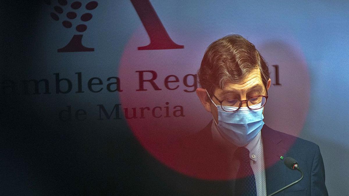 El exconsejero Manuel Villegas el día después de conocerse su vacunación indebida.