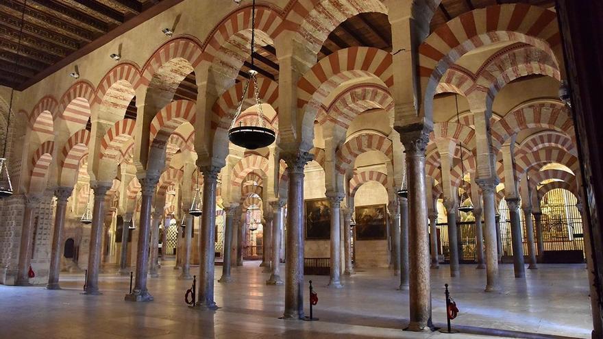 La Plataforma Mezquita Catedral pregunta a Carmen Calvo si anulará la inscripción eclesiástica del monumento