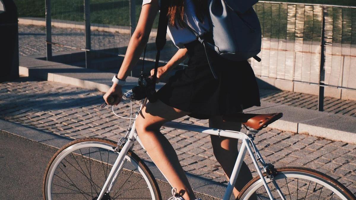 Los españoles optan cada vez más por la bici.