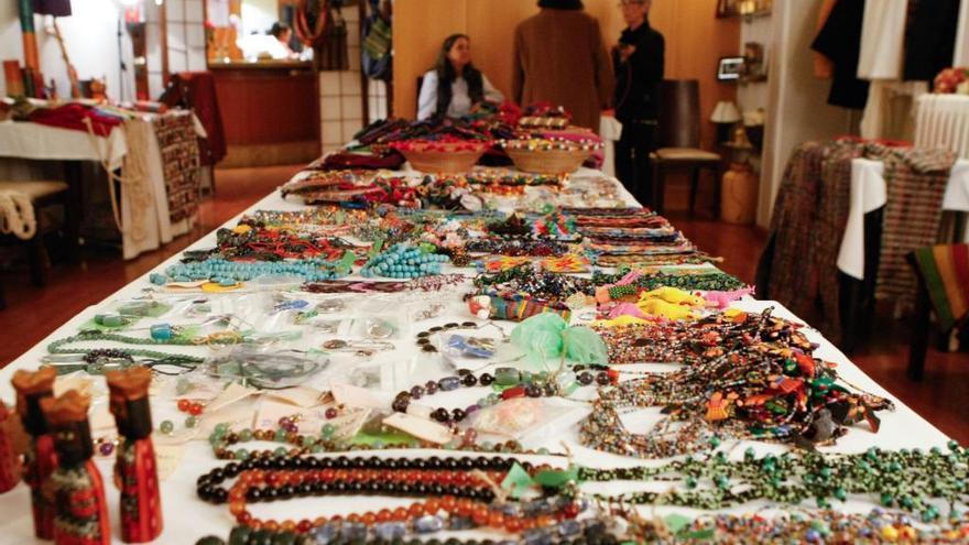 Mercadillo de artesanía de Guatemala para niñas en riesgo de exclusión
