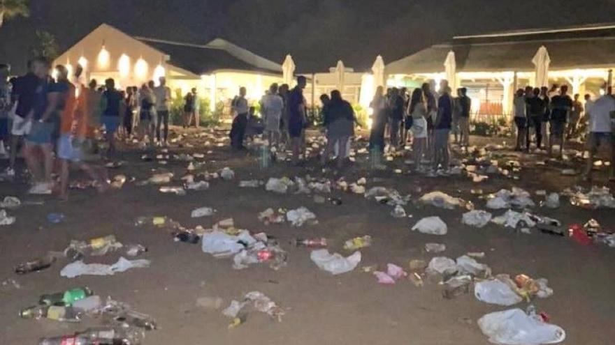 Cartagena refuerza la presencia policial para evitar las molestias del botelleo en La Manga