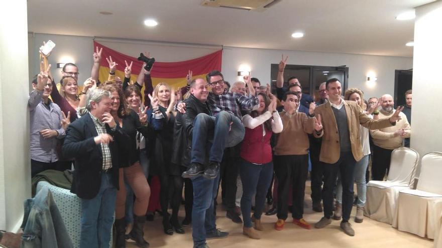 Euforia en Vox tras duplicar sus diputados y lograr 3 en Alicante