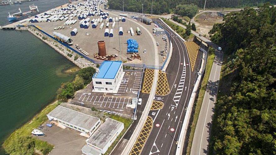 El Puerto abre al tráfico el nuevo acceso rodado al muelle de Valliniello