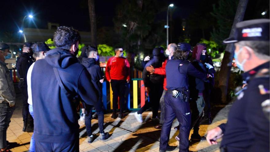 """El ministro Illa, sobre los violentos: """"La conducta de grupos minoritarios es inaceptable"""""""
