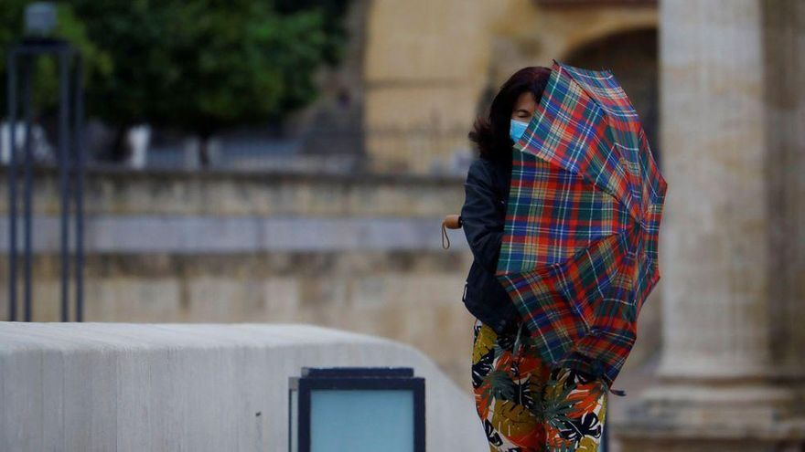 Emergencias mantiene el nivel de alerta por lluvias en Castellón