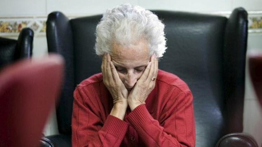 """""""A los mayores hay que cuidarles con cariño y con criterio"""""""