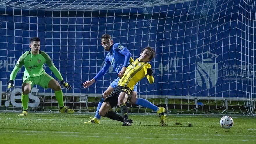 Al Real Oviedo se le escapa la victoria en el campo del Fuenlabrada (2-2)