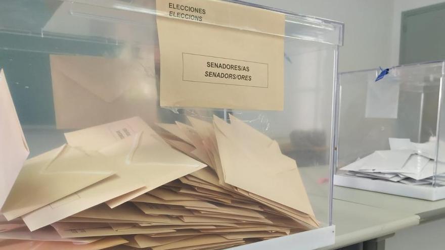 Aturen les votacions a Vilobí perquè un home ha votat en nom de la seva dona
