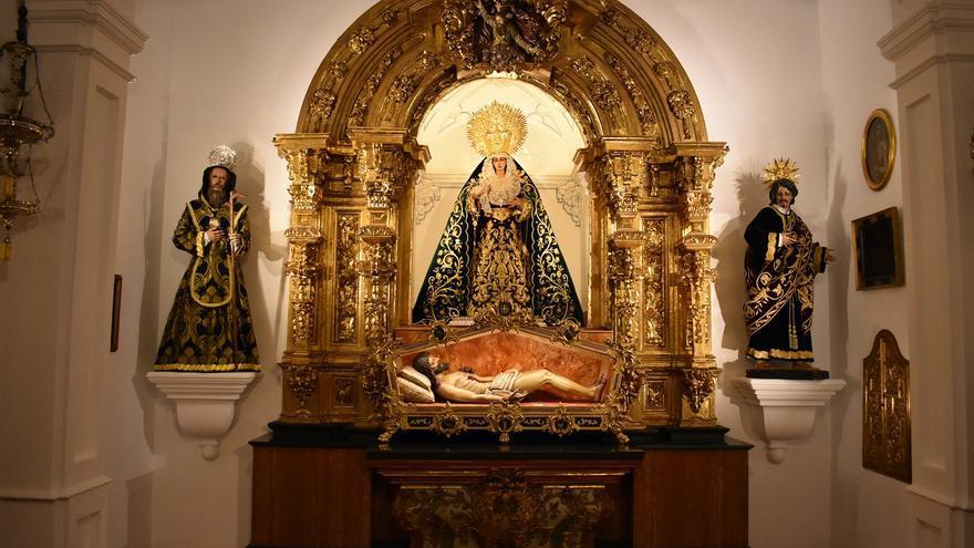 El Monte Calvario recupera su retablo del siglo XVIII