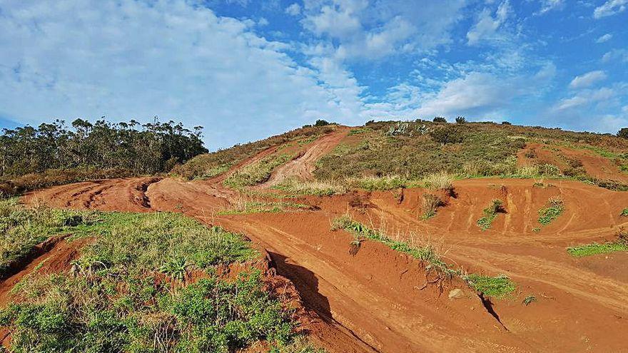 Las motos y los 4x4 degradan la zona entre El Púlpito y Mesa Mota