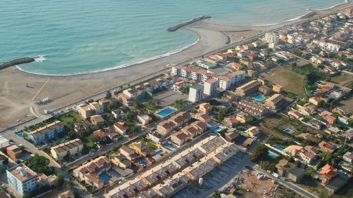 El litoral de Almassora ha sido objeto de diferentes medidas de protección y ha sufrido el efecto de temporales.