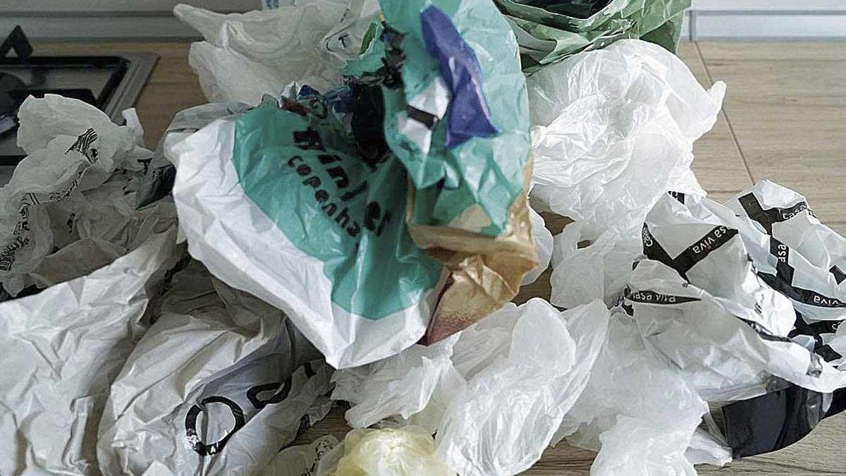 Los comercios no podrán distribuir bolsas de plástico de un solo uso a partir del 1 de enero.