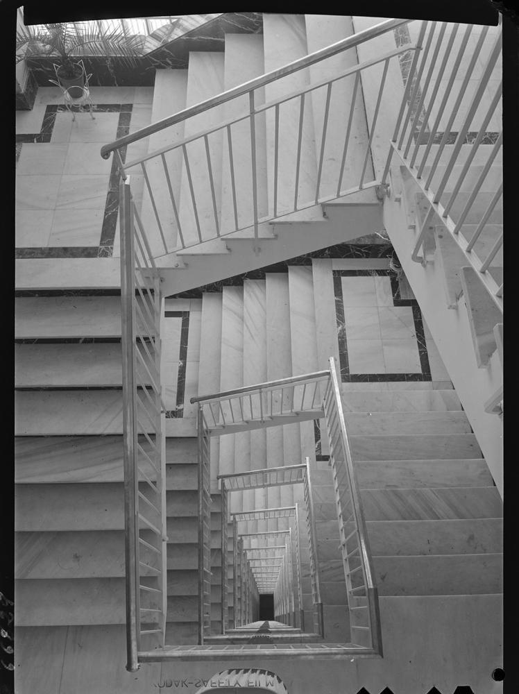 Vista desde el �ltimo piso de las escaleras en perspectiva.jpg