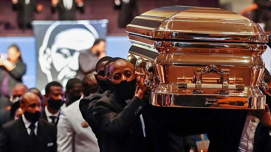 La família de Floyd demana que s'acabin els crims d'odi