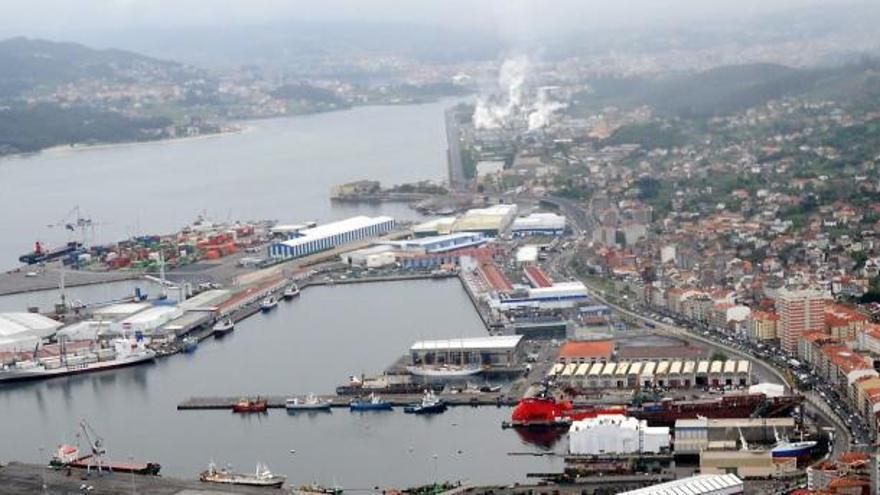 Feijóo aboga ante Ribera por adscribir Ence al Puerto con el respaldo del Consello Consultivo