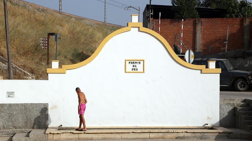 Denuncian ante el Seprona la desecación de la Fuente El Pez de Montilla