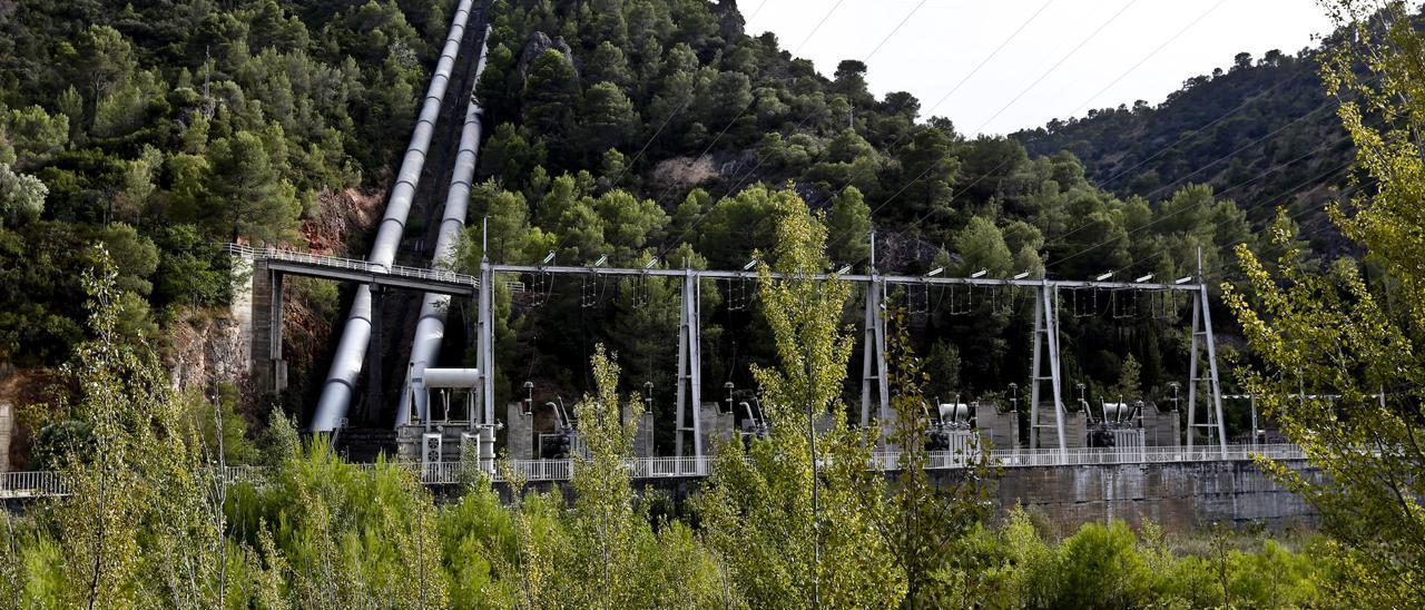 Infraestructura del trasvase Tajo-Segura en el embalse de Bolarque