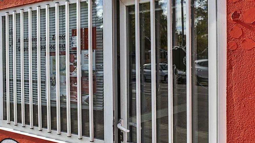 Apedrean la sede del PSOE en Zamora