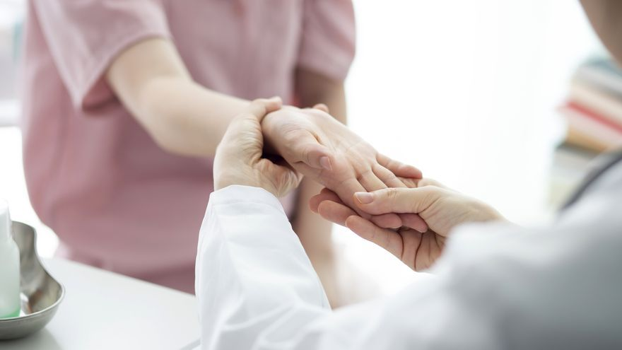La importancia del reumatólogo para tratar enfermedades que afectan al aparato locomotor