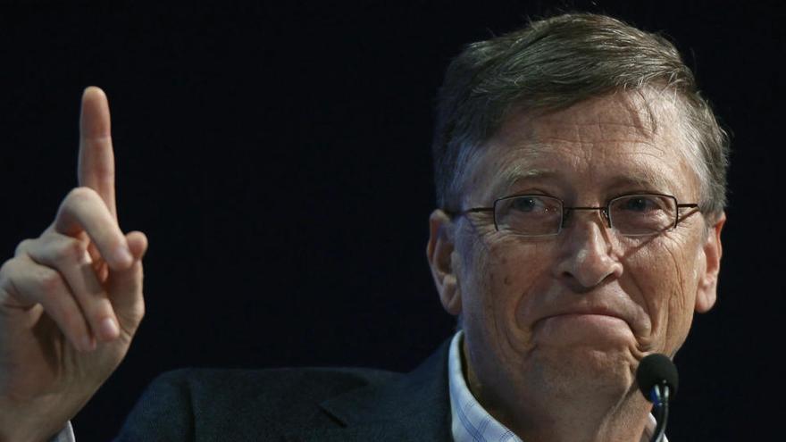 Gates pronostica menos viajes de negocio y horas de oficina tras la pandemia de covid