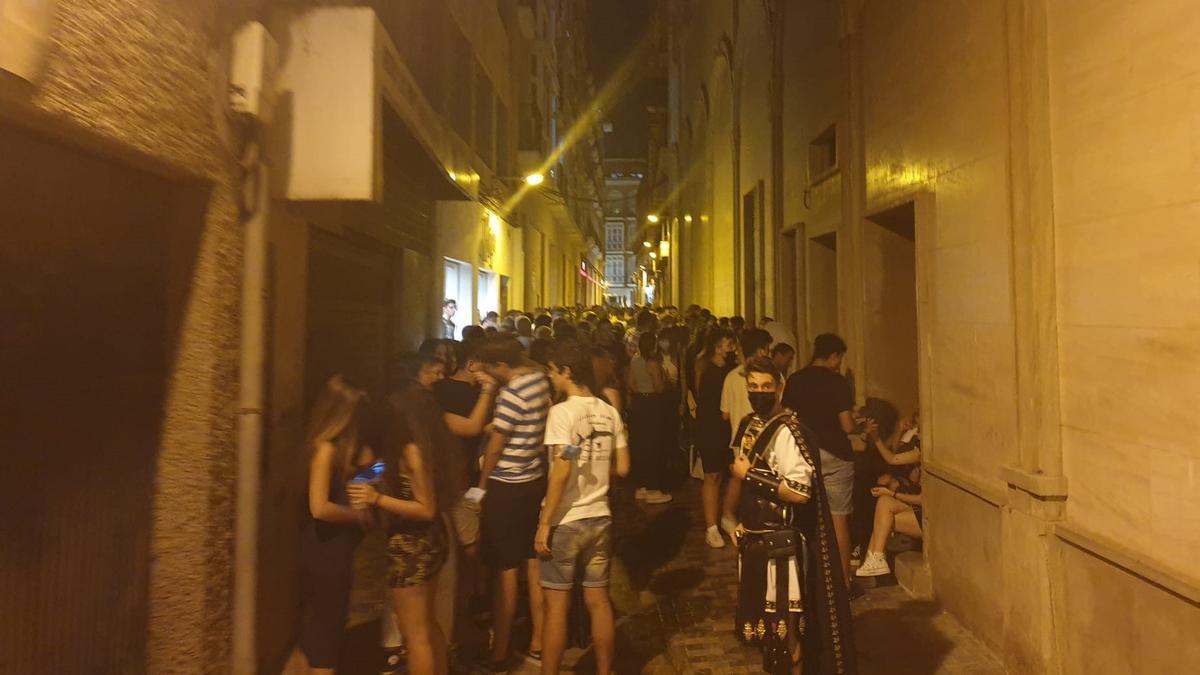La calle Bodegones, ayer en Cartagena.