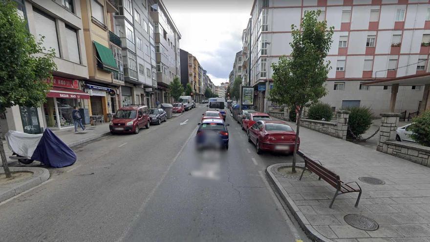 Dos evacuados por inhalación de humo al incendiarse una cocina en Ourense
