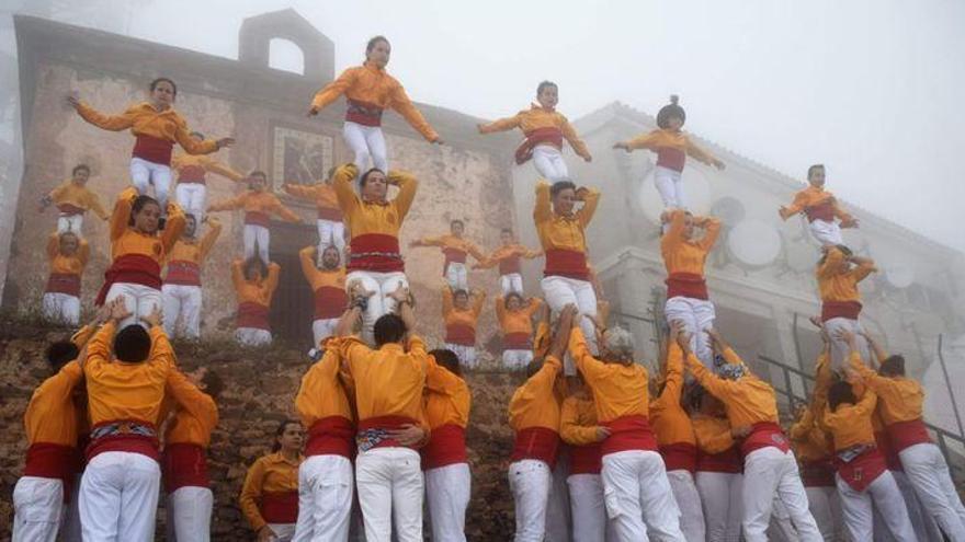 La Conlloga Muixeranga de Castelló 'roza' el cielo en el Bartolo