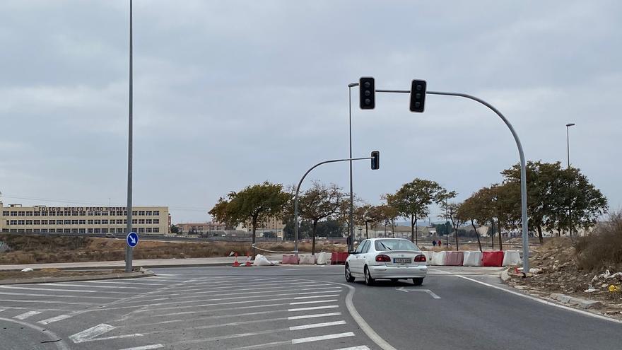 Recta final para la apertura del tramo de Vía Parque en el PAU 1: los semáforos, ya colocados