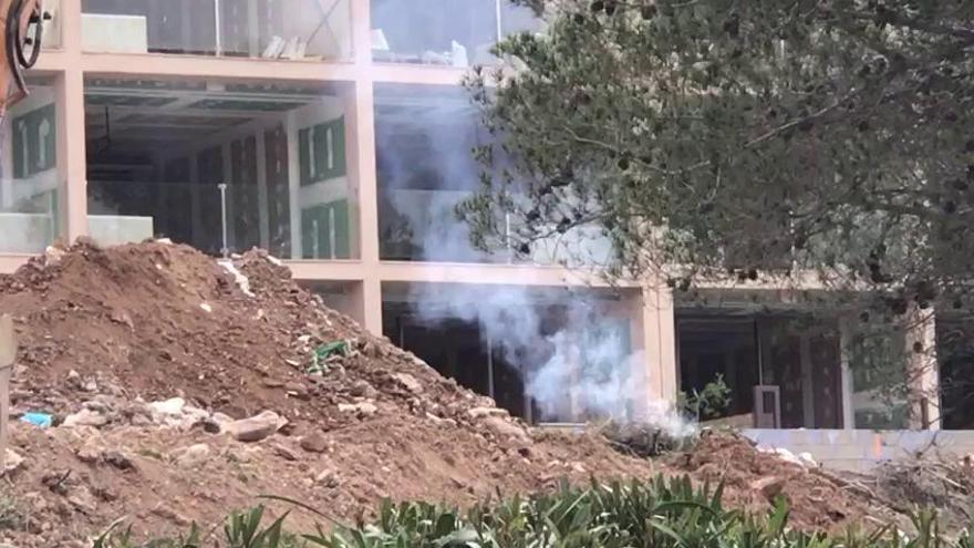 Auch Hotel-Baustellen verbrennen Abfälle in Andratx