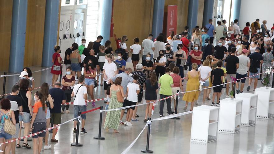 Arranca en la provincia de Alicante la vacunación masiva a los jóvenes entre 12 y 16 años