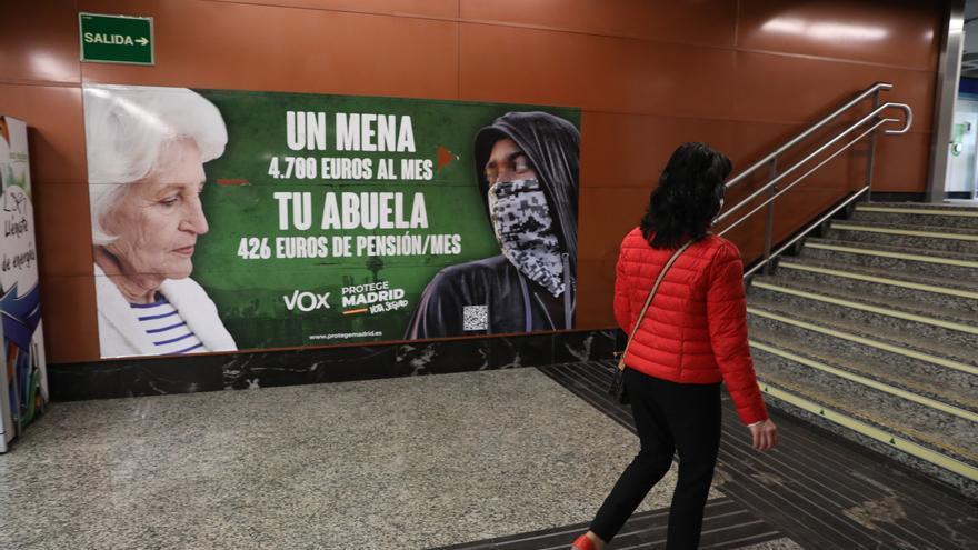 La Fiscalía considera que el cartel de Vox estigmatiza a menores extranjeros