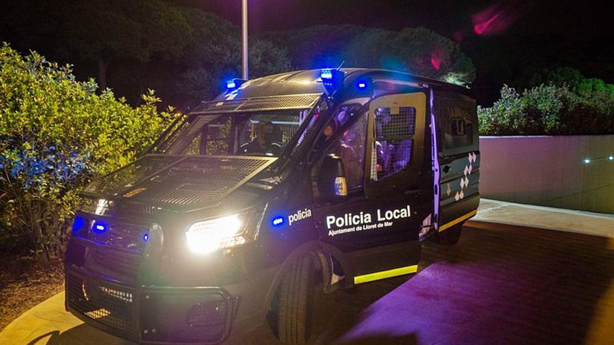 Una furgoneta de la Policia Local de Lloret de Mar. | AJUNTAMENT DE LLORET DE MAR