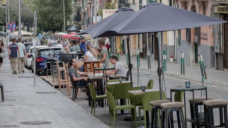 Bis September darf in Palma die Straße zur Bar gemacht werden