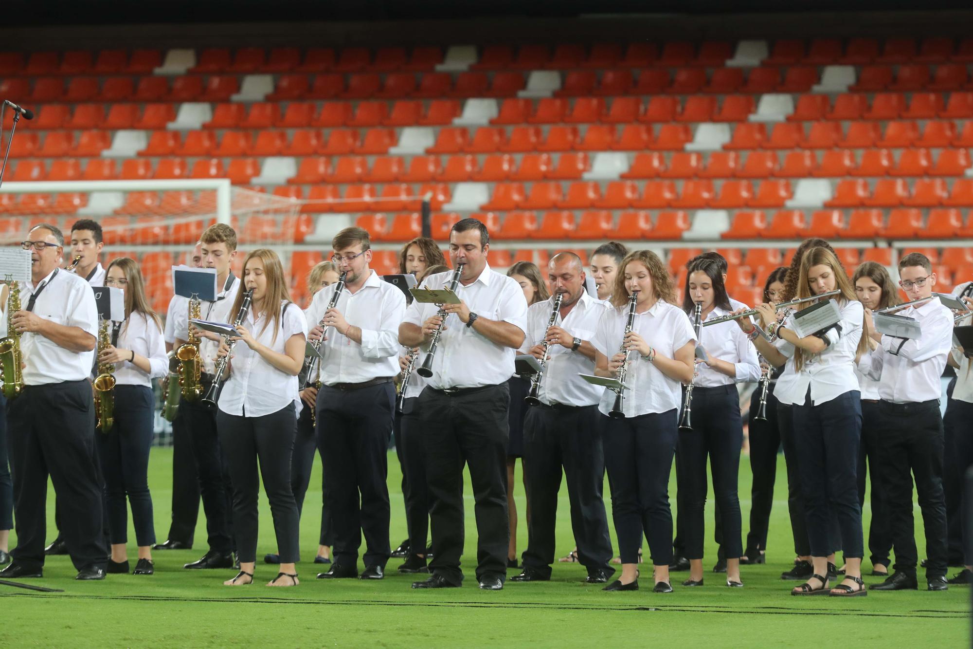 La Sociedad Musical de Llosa de Ranes en Mestalla