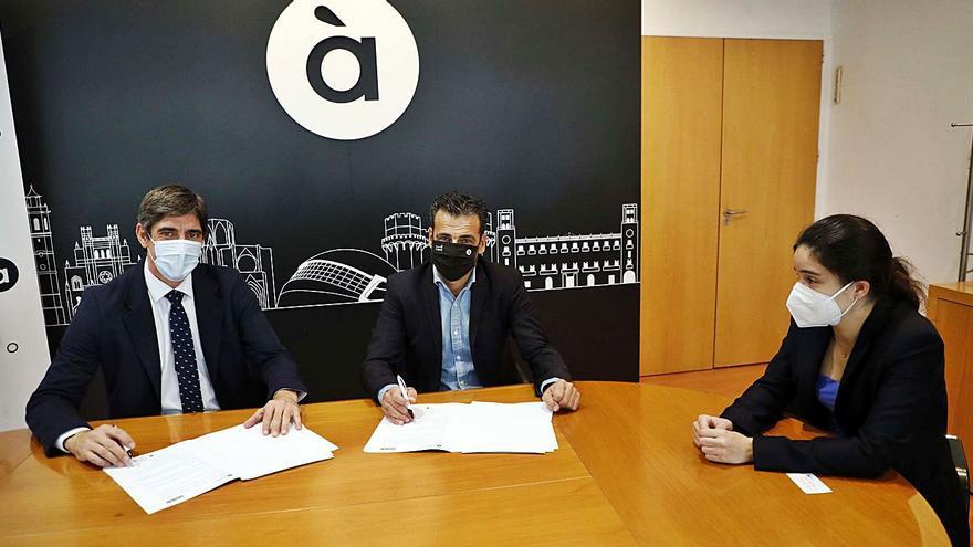 À Punt se suma als Fòrums d'Economia Comarcal del diari Levante-EMV
