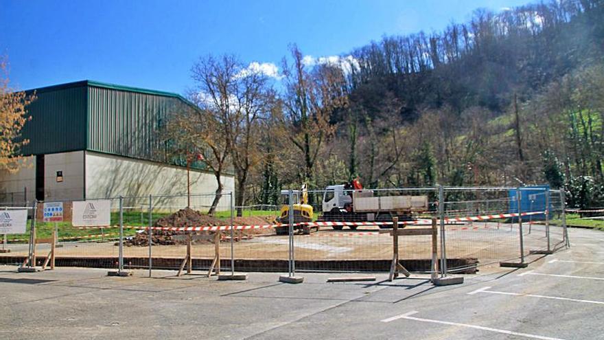 Bárzana, en Quirós, contará con una plaza cubierta permanente en El Felguero
