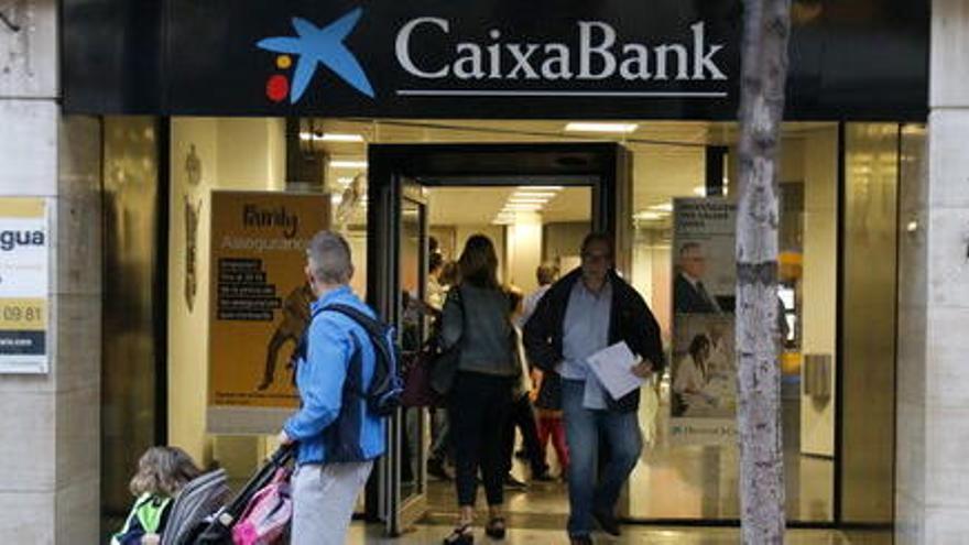 CaixaBank culmina els tràmits legals de la fusió amb Bankia i esdevé l'entitat més gran de l'Estat