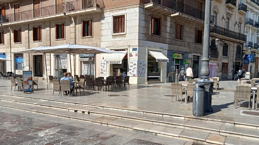 El juzgado acepta mantener las terrazas de la Plaza de la Virgen