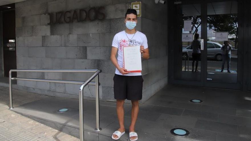 La red de menores acepta a Anass, un inmigrante desamparado en Lanzarote