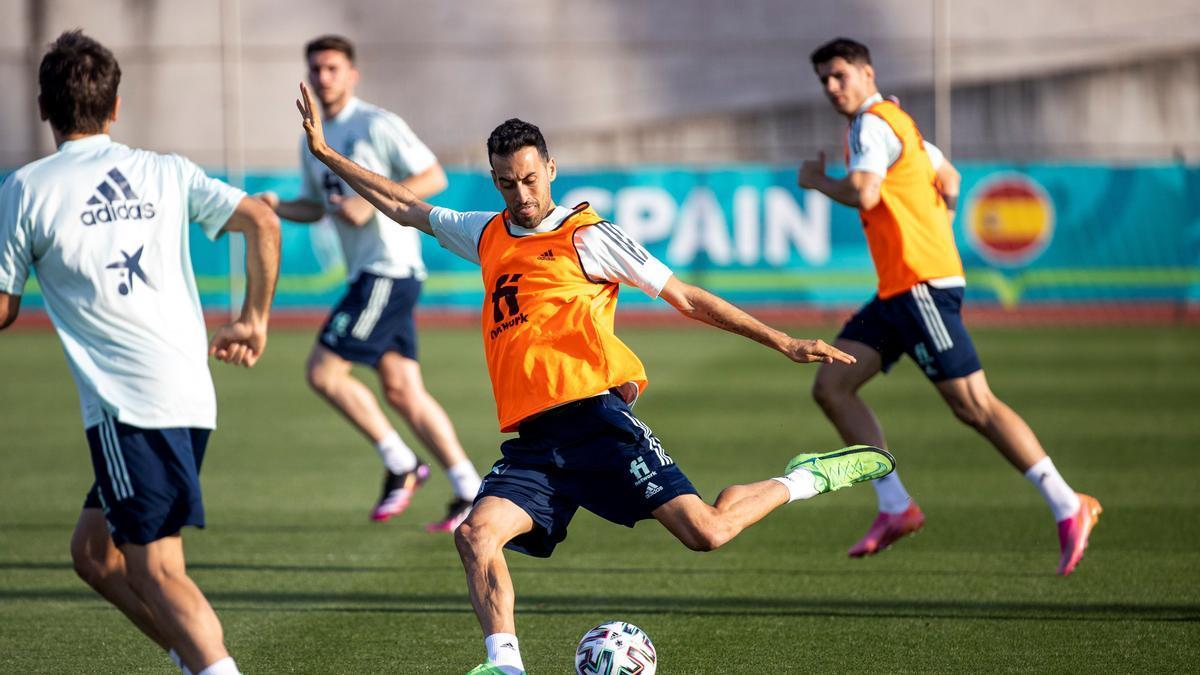 Sergio Busquets, en un entrenamiento en Las Rozas